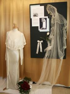 The dress & display